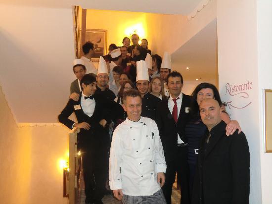 Tesero, Italia: Evviva lo Staff dell'Hotel Shandranj
