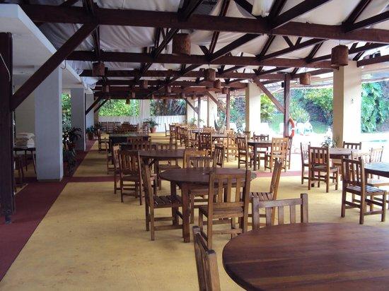 Raices Esturion Hotel: 16.-Pto Iguazú Esturión Hotel& Lodge: quincho