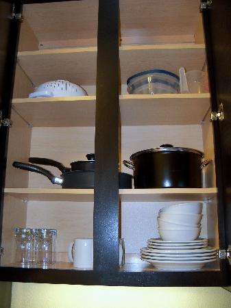 TownePlace Suites Dallas Lewisville: Fully stocked shelves