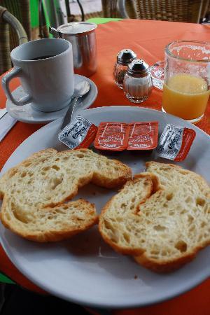 Maya Bric Hotel: Le petit déjeuner...