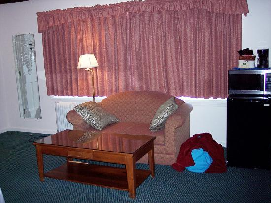 Yankee Inn: Little Seating Area
