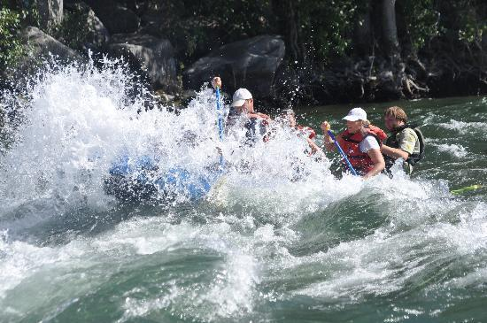 River Recreation Whitewater Rafting Day Trips: big waves