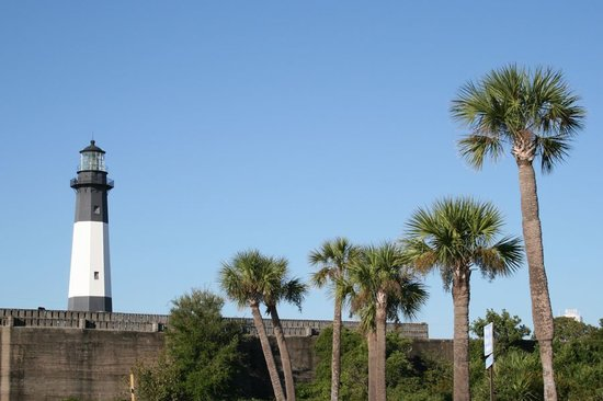 Wilderness Southeast Tours: lighthouse on Tybee