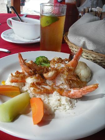 Hotel Fontan Ixtapa: The Garlic Shrimp -- YUMMY!!