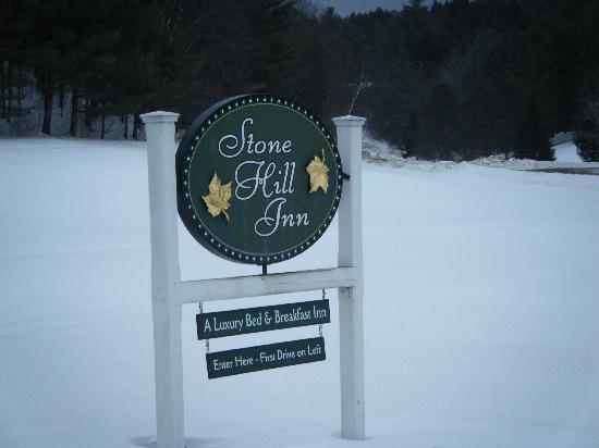 Stone Hill Inn's sign