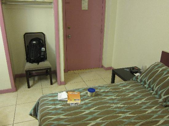 Miami Sun Hotel: Room
