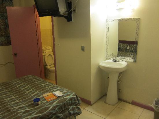 Miami Sun Hotel: Room 2