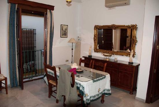 Pension San Benito Abad: Living room dining room