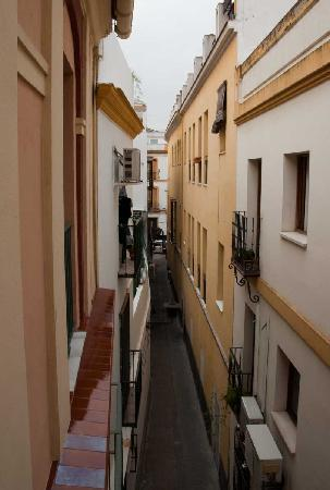 Pension San Benito Abad: View from apartment up pedestrian walkway to the street
