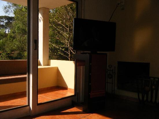 Mision Grand Valle de Bravo: Sala de estar y terraza