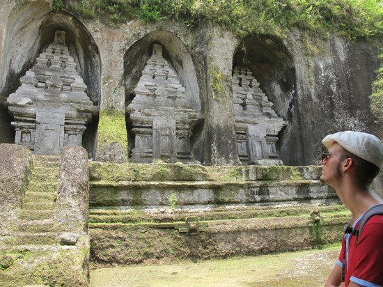Tampaksiring, Indonesia: One part of the stone carvings