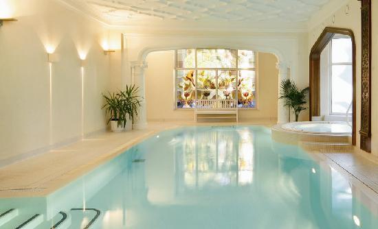Hotel Bavaria: Hallenbad mit Whirlpool und Dampfbad