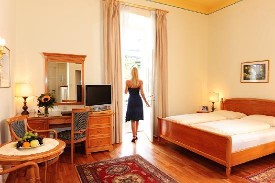Romantische Zimmer Alle Mit Renovierten Badern Flat Tv Telefon W