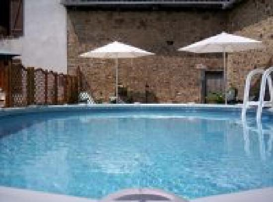 Maison Taupe : the pool