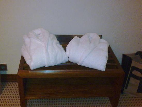 Lagoas Park Hotel : ROUPÕES DISPONIBILIZADOS (Pacote VIP LUA DE MEL)