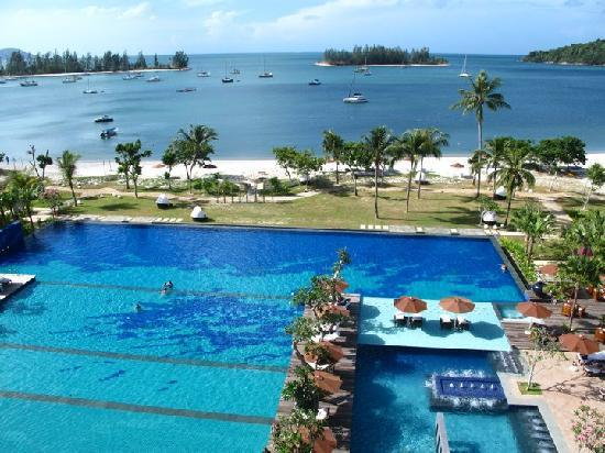 The Danna Langkawi, Malaysia: The amazing pool at the Danna