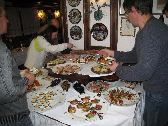 Hotel Ai Pini: парнес