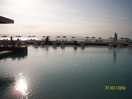 DoubleTree Resort by Hilton Hotel Paracas - Peru: La piscina