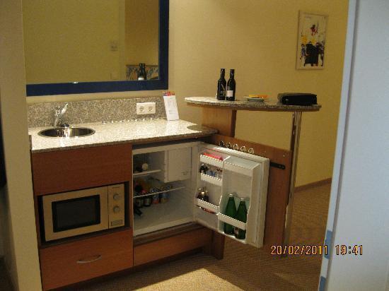 Starlight Suites Hotel: Kochnische