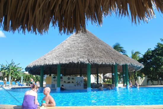 BelleVue Palma Real: Swim Up bar
