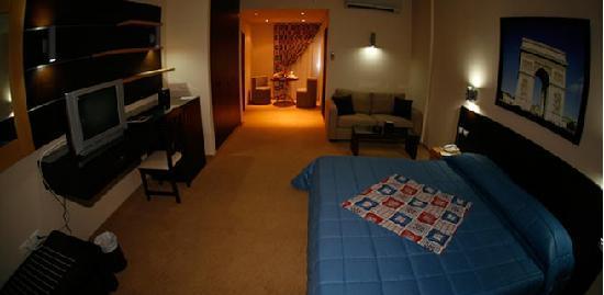 The Parisian Hotel: my room
