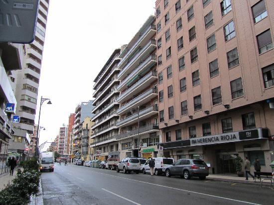NH Logrono Herencia Rioja : esterno