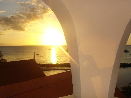 Coco Reef Resort & Spa Tobago: sunset