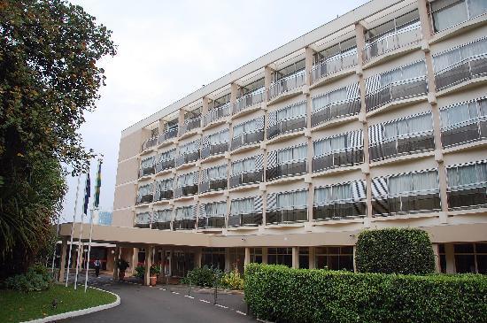 Hotel des Mille Collines entra...