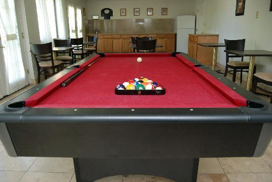Quality Inn & Suites: Game Room