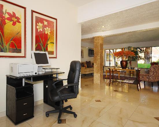 Quality Inn & Suites : Business Center