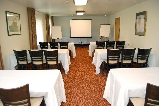 Quality Inn & Suites: Sequoia Meeting Room