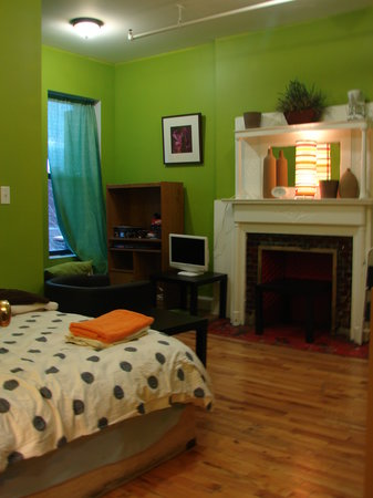 Harlem Bed and Breakfast: Room #8