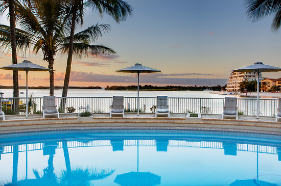 Noosa Pacific Riverfront Resort: Stunning north facing heated pool
