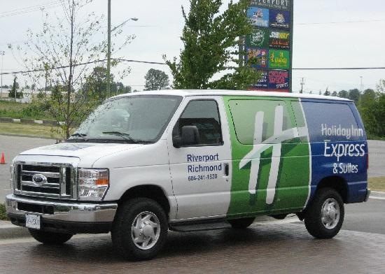 Holiday Inn Express Hotel & Suites Riverport : Complimentary 24 hr Airport Shuttle, free parking