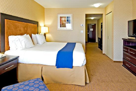 Holiday Inn Express Hotel & Suites Riverport: Junior Suite,with Sofa Sleeper and 2nd TV flat screen sleeps 4