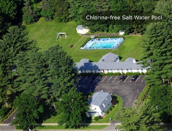 Lantern House Motel Great Barrington: Aerial View