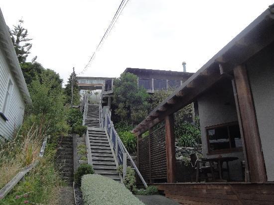 Abel Tasman Villa: Front steps