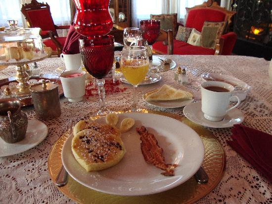 Bernadine's Stillman Inn: Breakfast