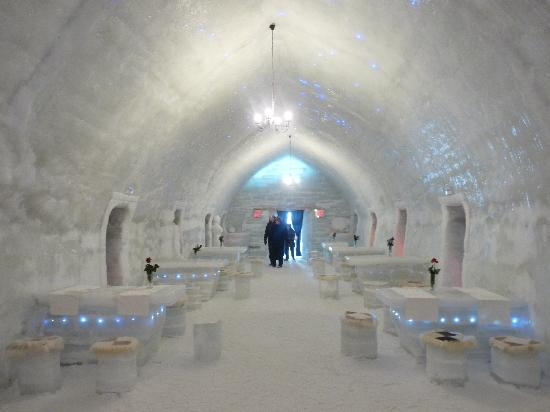 Fagaras, Romania: Ice Hotel Day