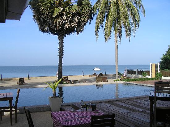 The Beach Boutique Resort: View from restaurant