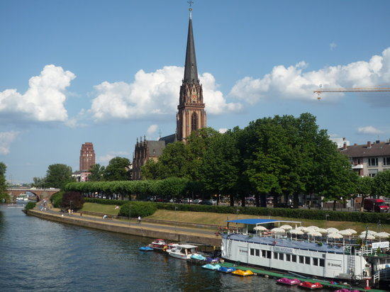 Frankfurt, Jerman: Main river