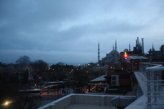 Ares Hotel Istanbul: sightseeing from the hotel