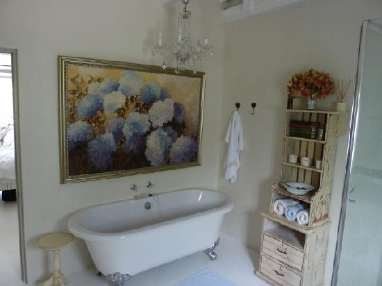 The Oyster Box Beach House: Oyster Shack main bathroom