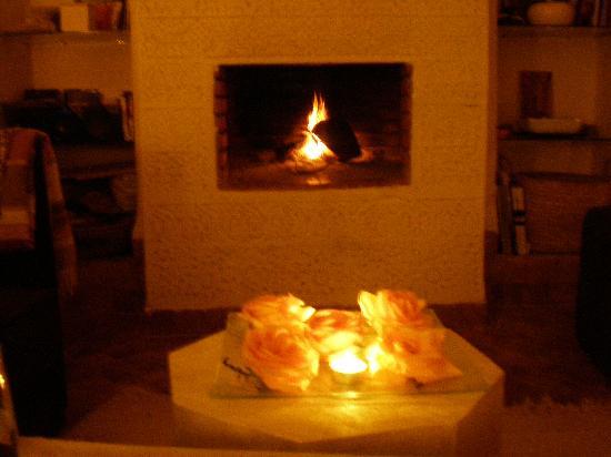 Riad les Orangers d'Alilia Marrakech : la cheminée