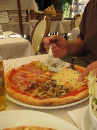 Hotel Principe Palace: Verona Pizza