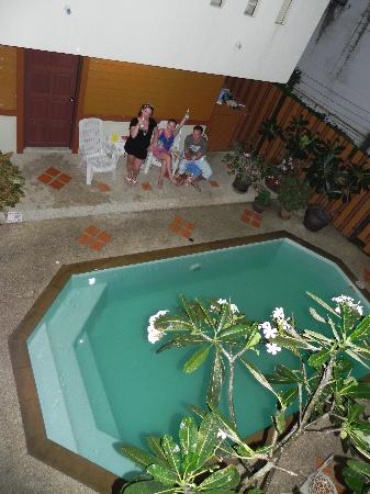Patong Hillside Hotel: Pool