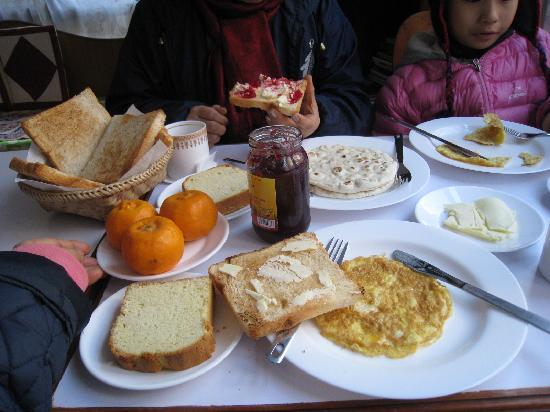 Asmita Bed & Breakfast: breakfast was good!
