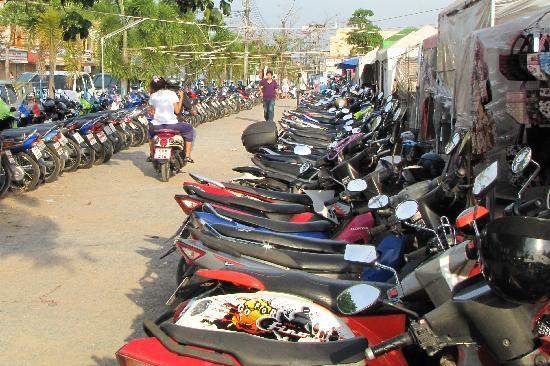 Phuket Town, Thailand: Parkplatz auf Thailändisch