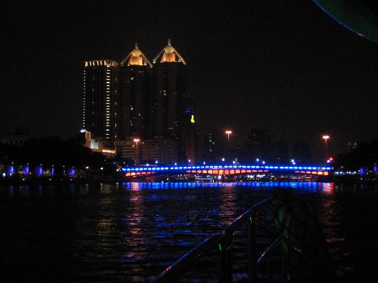 Ai He (Love River) : 舟からの景色