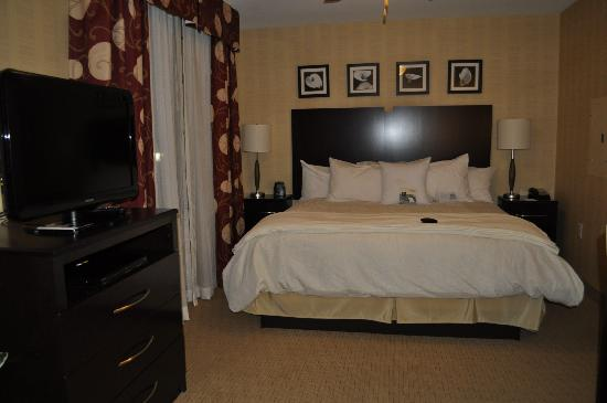 Homewood Suites by Hilton Newtown - Langhorne, PA: Cama